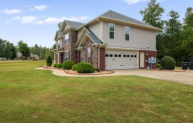 Oversized 2 Car Garage With Side Entry